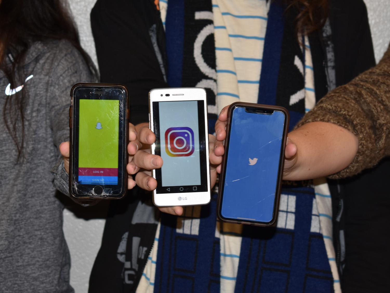 Teens show off their favorite social media applications.