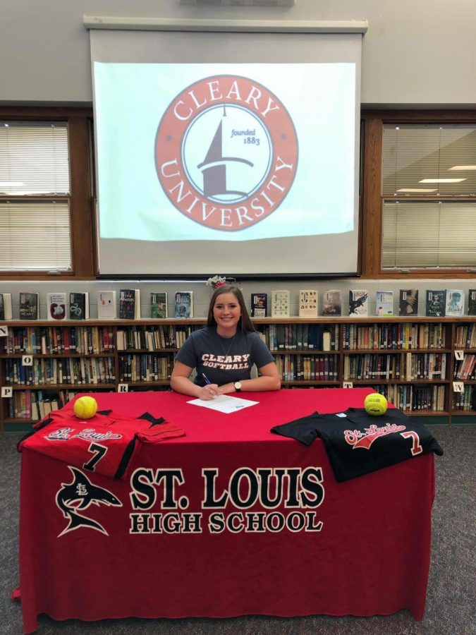 Alexis+Beeson+signed+to+play+softball+with+Cleary+University+Jan.+10.