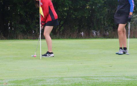 Girls' golf stumbles at own Shark Classic