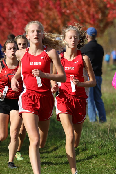 Mikenna Borie (left) and Mikaila Borie (right) both pushed themselves to run season PRs.