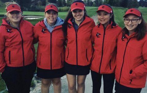 Girls' golf endures the rain to finish season at regionals