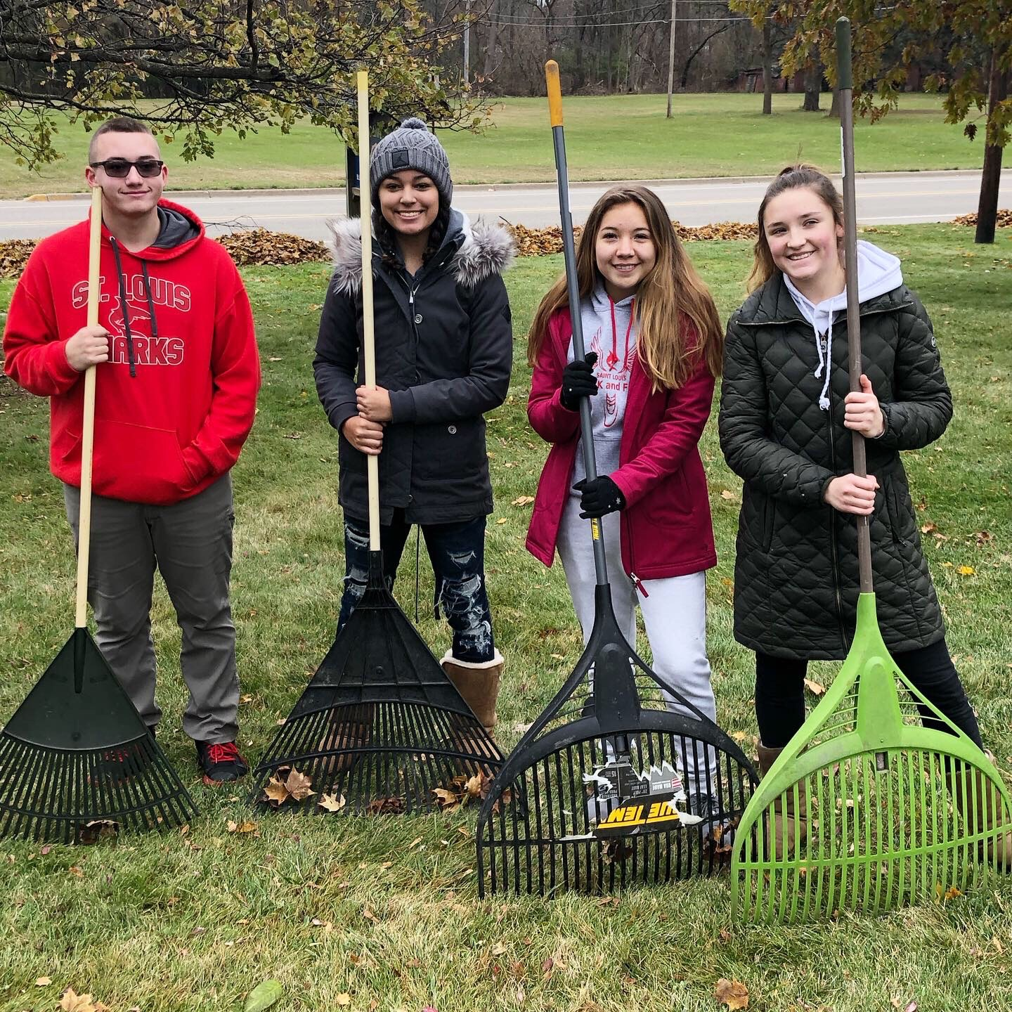 St. Louis students in YAC help out the community.