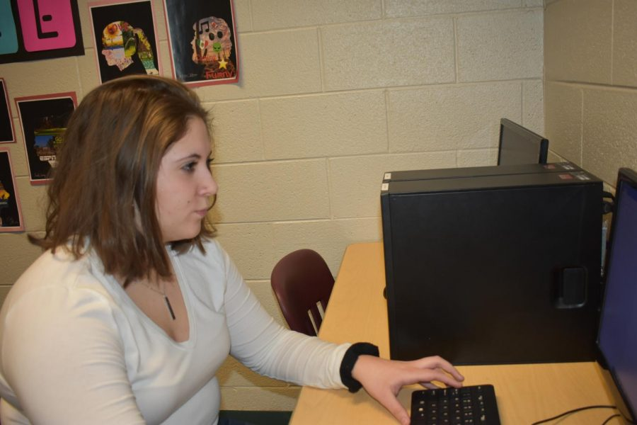 Sophomore Kaylyn Collins works on her BPA project.