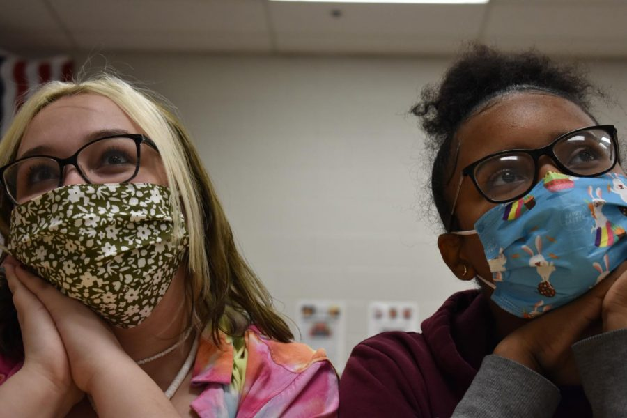 Autumn Mann (left) and Jaszmin Harbor (right) enjoy wearing fashionable masks.