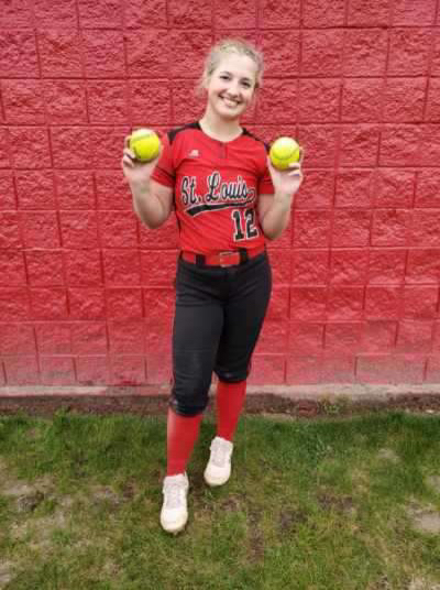 Izabellle Hrabal had an insane night on the offensive end with two grand slams.