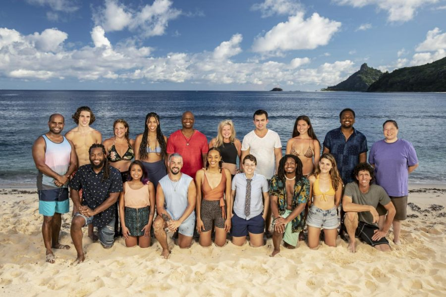 Season 41 members poses for a group photo all together before the real competition begins.